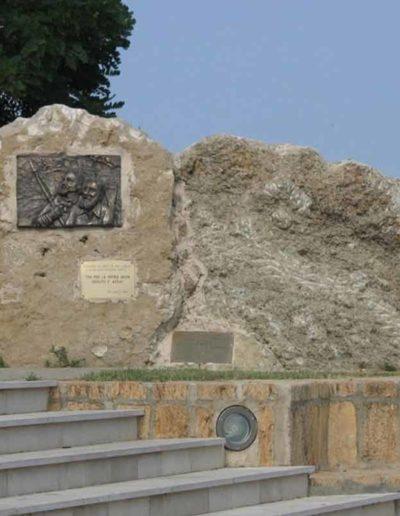 1° Mon.dedicato ai Fratelli Bandiera Bronzo-pietra Belvedere Spinello 2003